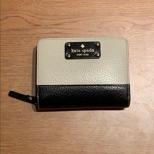 Kate Spade New York Two Tone Black & Cream Wallet